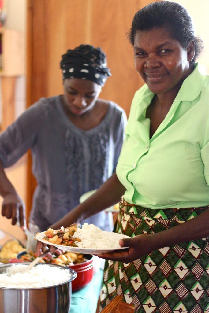 Une cuisinière en Afrique.