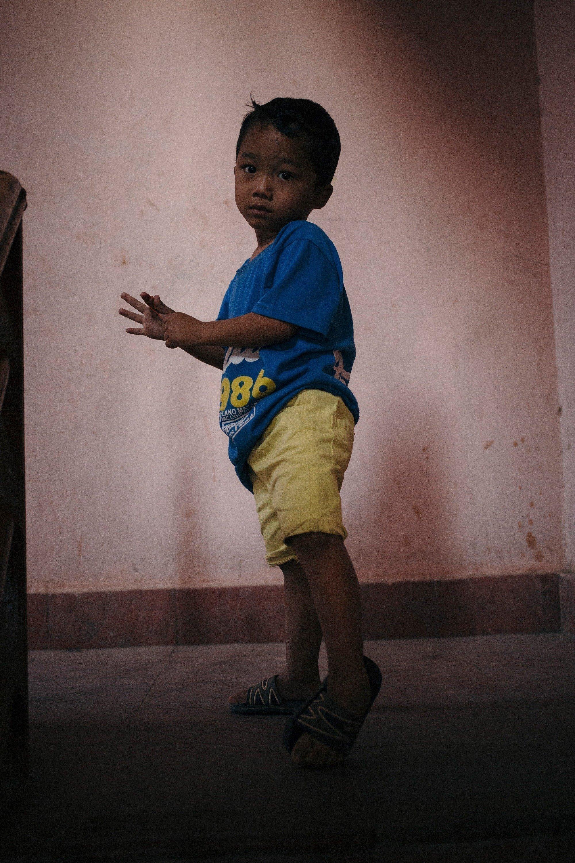 Un petit garçon du Népal.