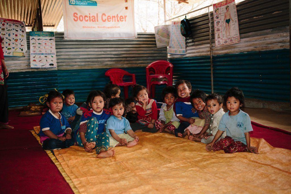 Des enfants d'un jardin d'enfants au Népal.