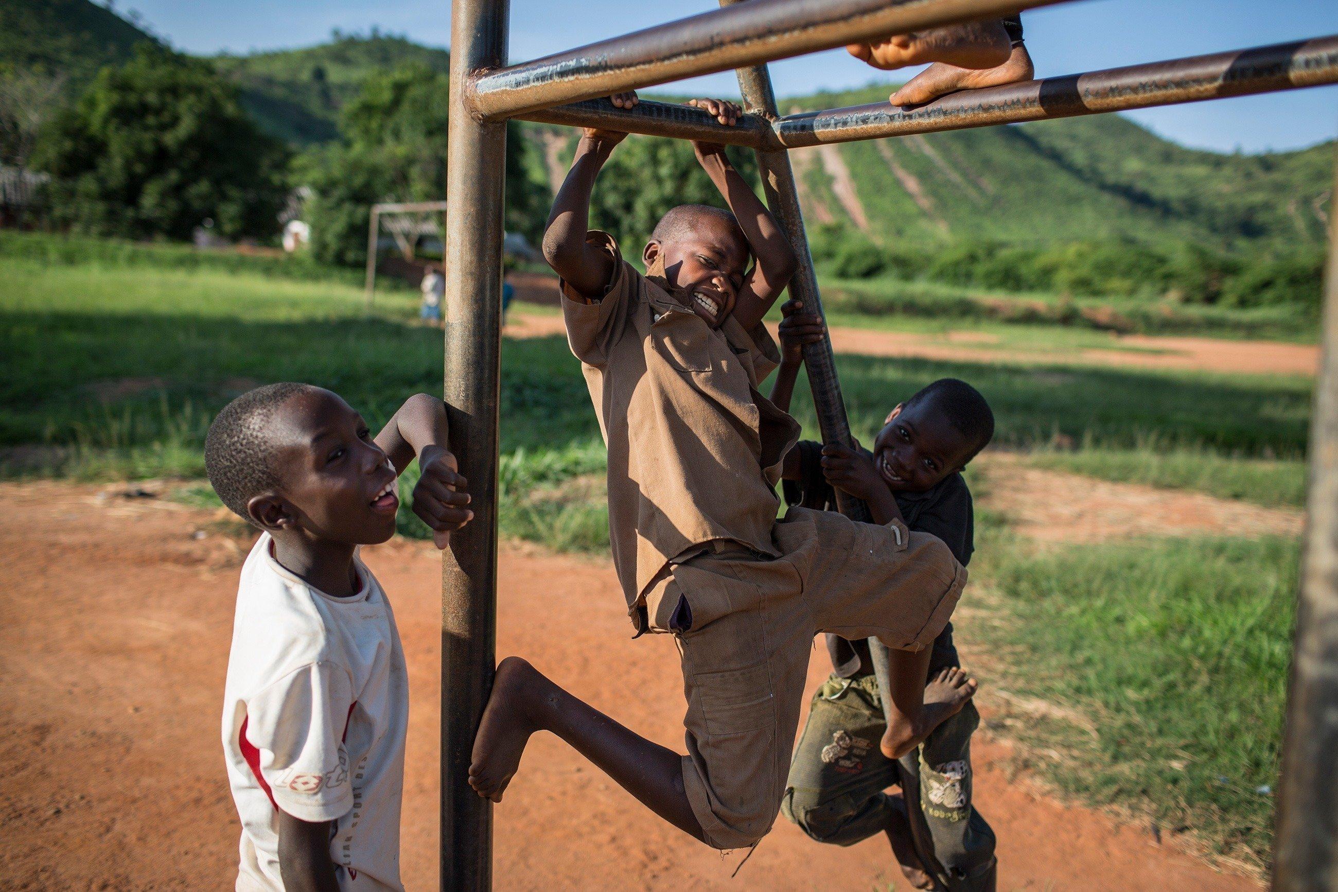 Un groupe d'enfants en train de jouer.