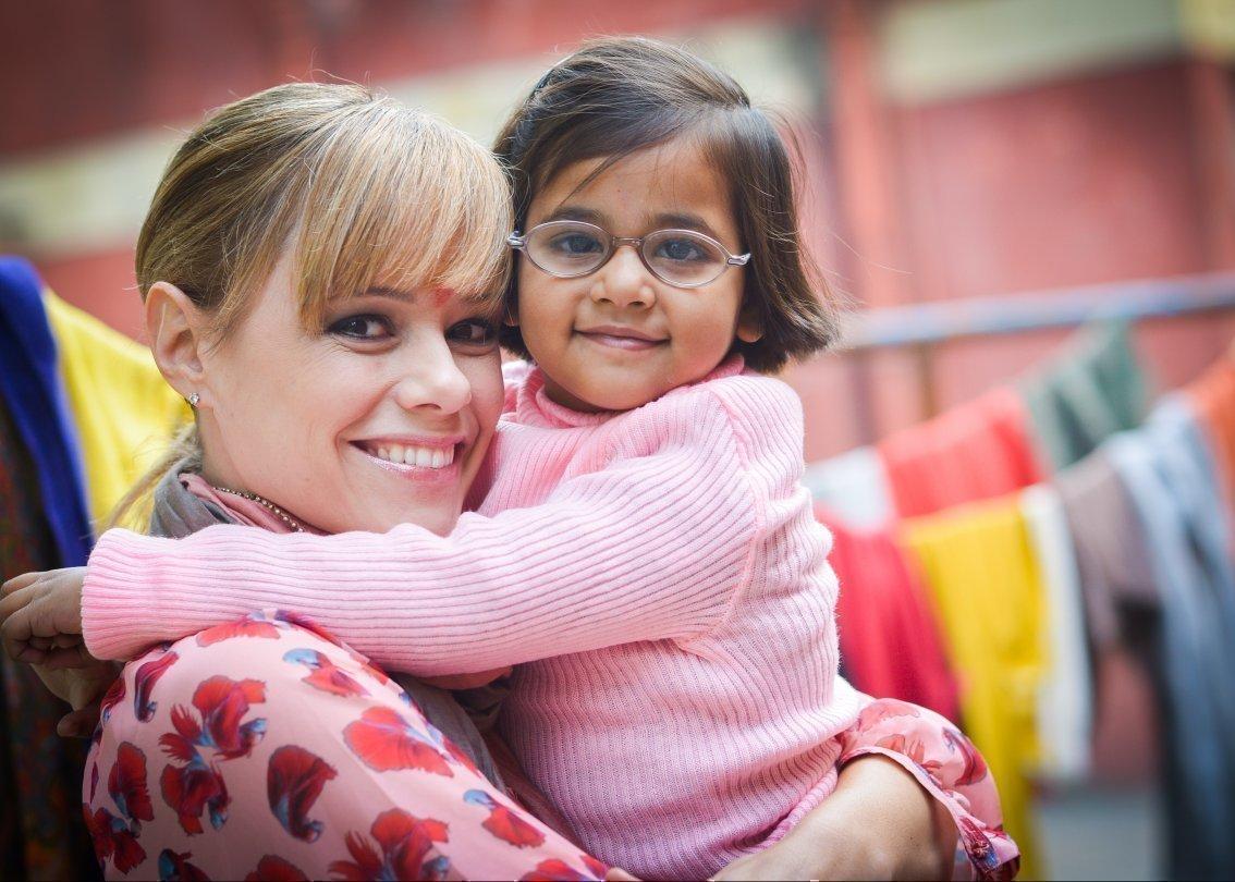 Francine Jordi en visite dans un village d'enfants SOS en 2014