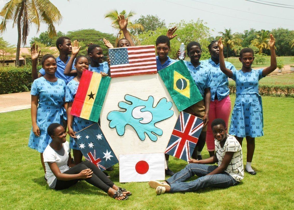 L'ONG SOS Villages d'Enfants International regroupe les associations régionales d'aide à l'enfance.