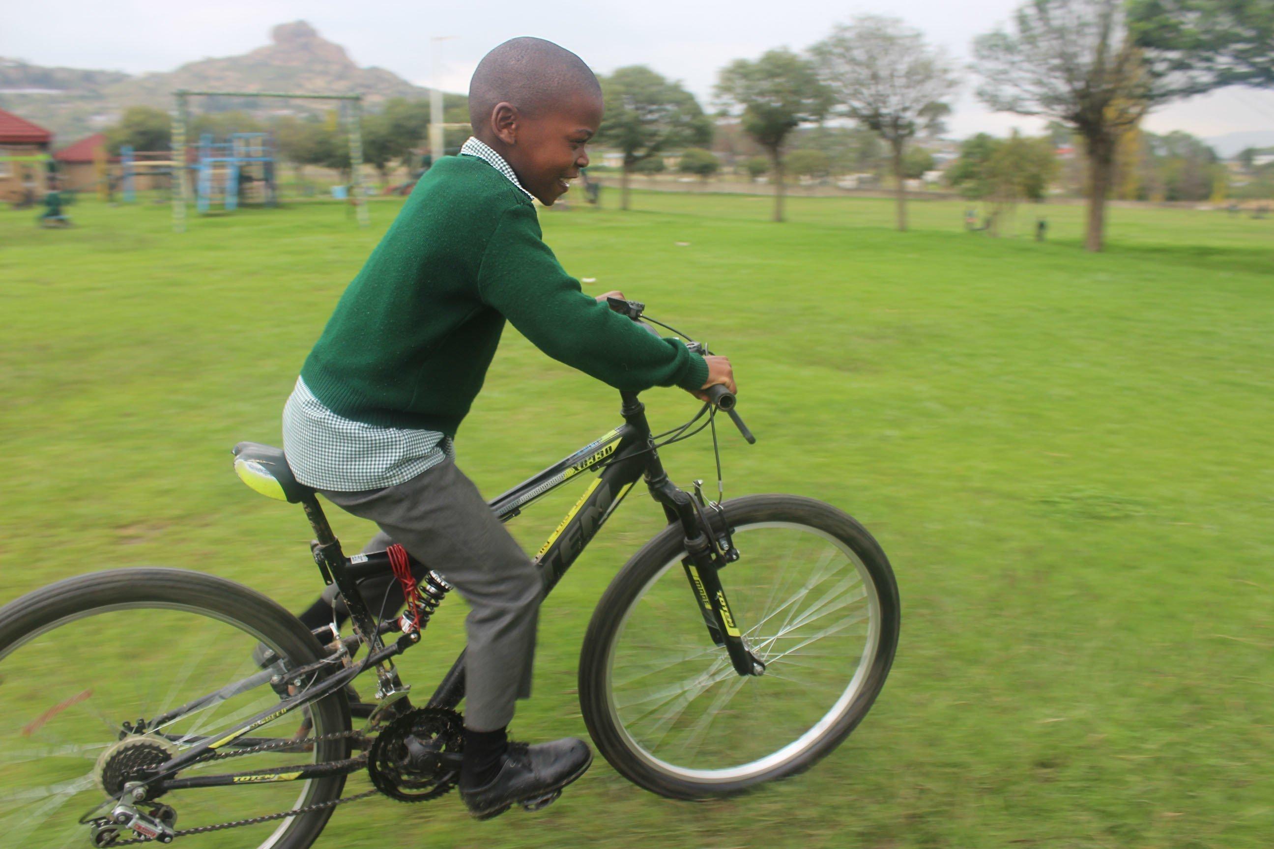 Au Lesotho, Tsepo peut enfin redevenir un enfant.