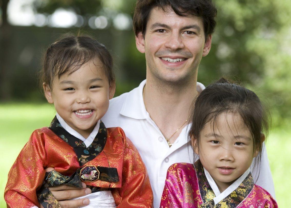 Stéphane Lambiel au village d'enfants SOS de Daegu
