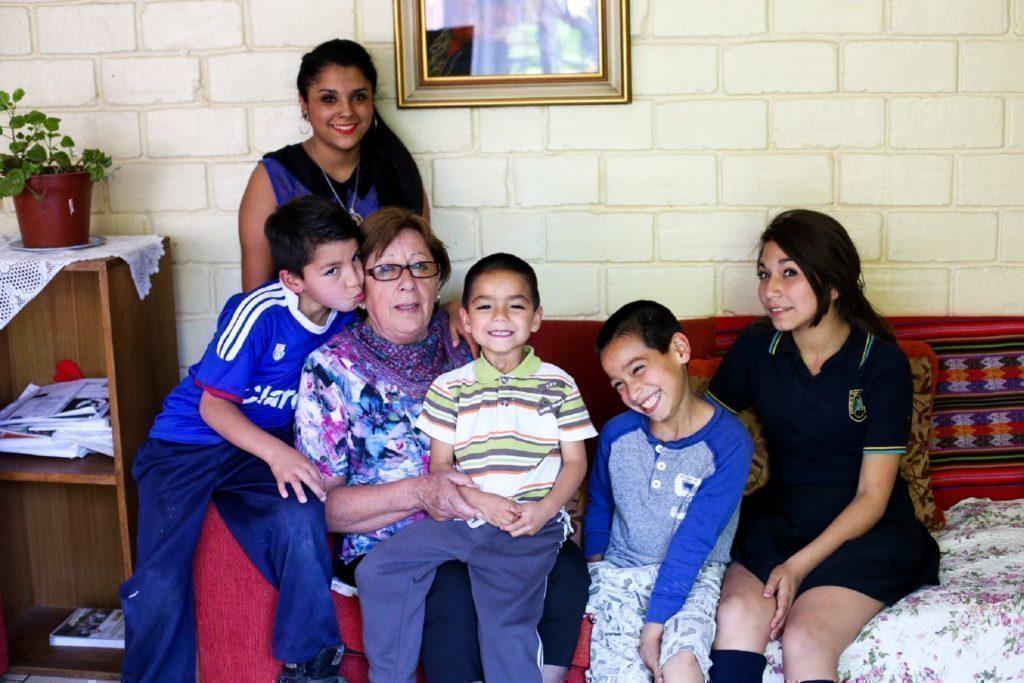 Graciela est la maman SOS qui a le plus d'ancienneté. Elle s'occupe actuellement d'une famille au village SOS d'Arica.