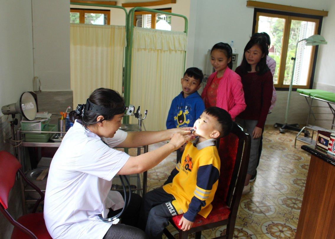 L'ONG SOS Villages d'Enfants Suisse s'engage pour que les enfants grandissent en bonne santé.
