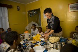 L'ambassadrice Maria Walliser visitant le village d'enfants SOS à Harar en 2011.