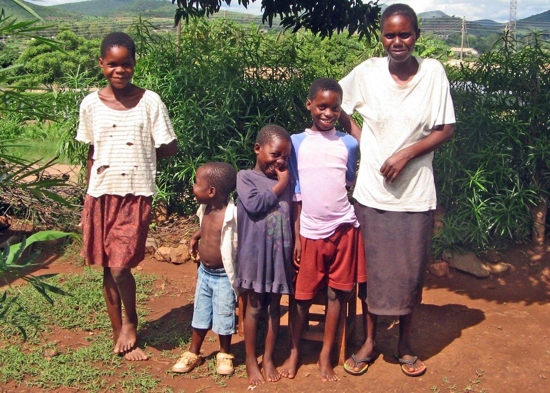 Renforcement de la famille: l'ONG SOS Villages d'Enfants soutient les familles pour qu'elles puissent rester unies.