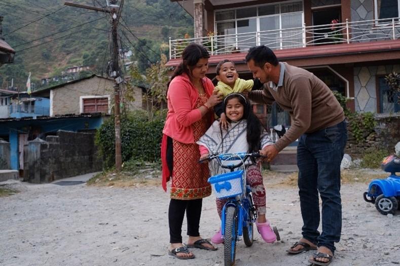Les programmes de renforcement de la famille apportent une aide durable pour apprendre aux bénéficiaires à s'en sortir par eux-mêmes.